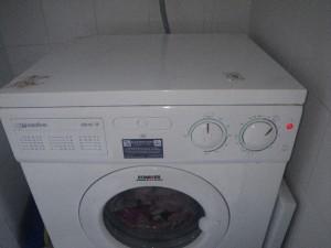 waschmaschine und wie kaputt erfolgreich im alltag. Black Bedroom Furniture Sets. Home Design Ideas